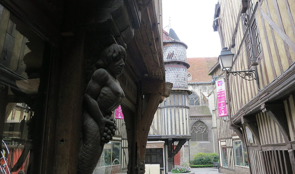 07-TROYES